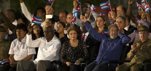 Lula e Dilma durante a cerimônia (foto: picture-alliance/ZUMAPRESS.com)