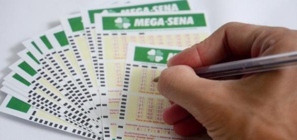 O sábado teve sorteio da Mega-Sena (Foto: Arquivo)