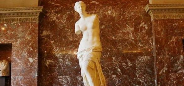 Afrodite ou Vênus de Milo, estátua grega que está no Museu do Louvre