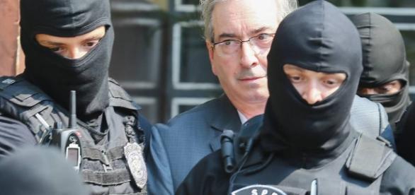 Ex-presidente da Câmara, Eduardo Cunha, está preso pela força-tarefa da Polícia Federal, em Curitiba no Paraná.