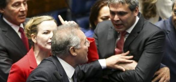 Lindbergh Farias pretende adiar a votação da PEC