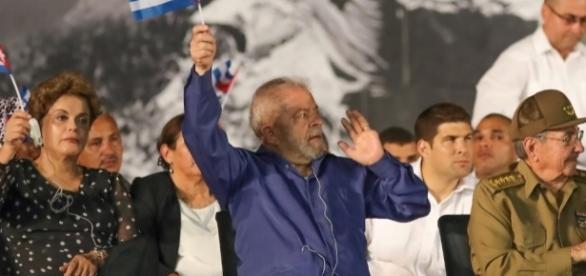 Lula e Dilma preferiram velório de Fidel do que de time brasileiro - Imagem/Diário do Poder