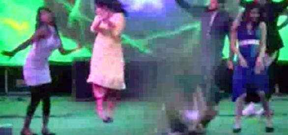 Mulheres estavam dançando quando aconteceu a tragédia