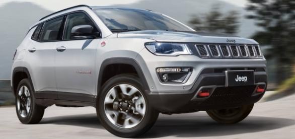 Novo Jeep Compass, que em seu primeiro mês cheio de vendas alcançou uma participação de 10,2%, entre os utilitários-esportivos (SUVs) em novembro