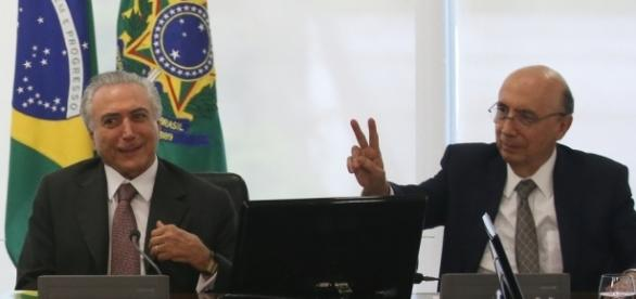 O presidente Michel Temer e o ministro da Fazenda Henrique Meirelles preparam novas medidas econômicas (Fabio Rodrigues Pozzebom/Agência Brasil)