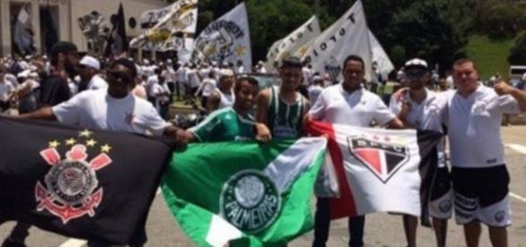 Torcidas Organizadas esquecem rivalidade e se unem pela Chape