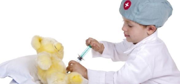Amenzi foarte mari pentru vaccinarea obligatorie a copiilor