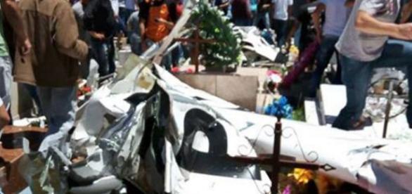 Avião cai em cemitério do Paraná - Imagem/Jornal de Brasília