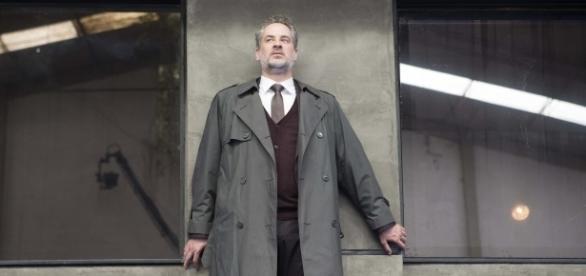 Cena do filme onde aparece Stulbach interpretando Júlio César (Via: Agência Febre)