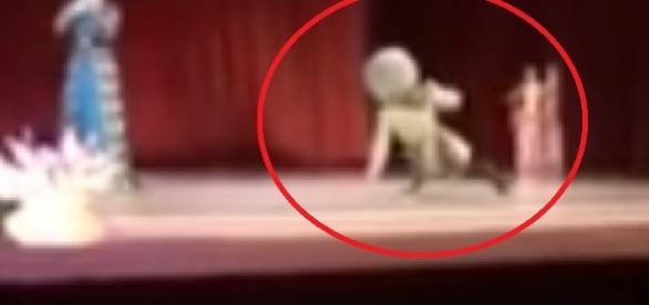 Dançarino morre em apresentação - Reprodução: Youtube