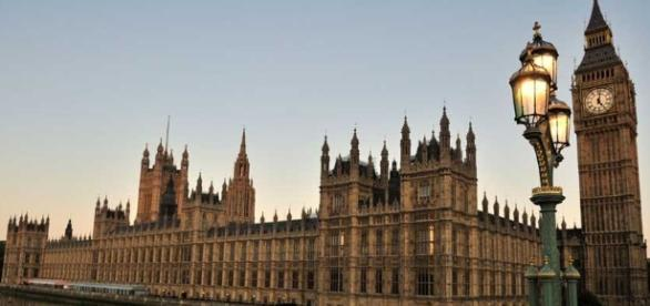 Houses of Parliament to sit empty for 6 years after asbestos scare - nationalasbestos.co.uk