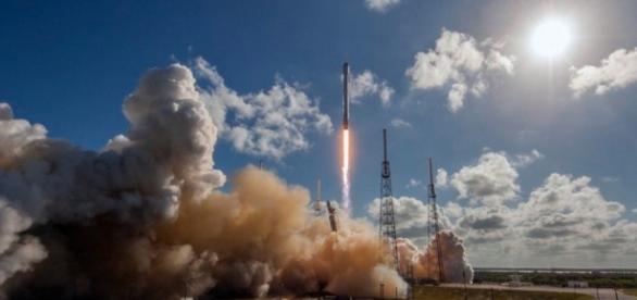Space X : Cette fois, c'est le crash pour Falcon 9 ! - begeek.fr