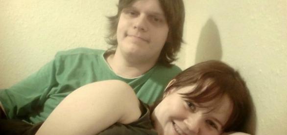 Rochy e Katherine acusados de maus tratos contra a filha bebê