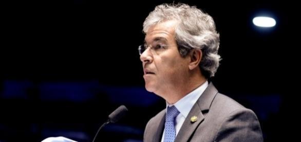Senador Jorge Viana (PT-AC), está na linha sucessória de Renan Calheiros na presidência do Senado Federal