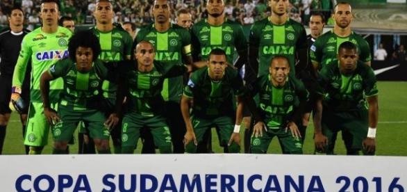 Time da Chapecoense campeão da Sul-Americana