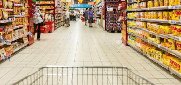 Comisia Europeană nu acceptă Legea supermarketurilor din România