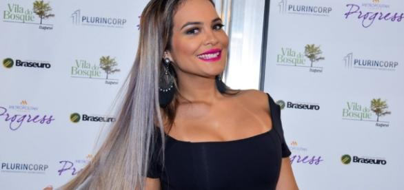 Geisy Arruda sensualiza nas redes sociais e recebe muitos elogios