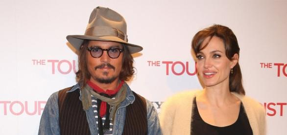 Johnny Depp en couple avec Angelina Jolie?