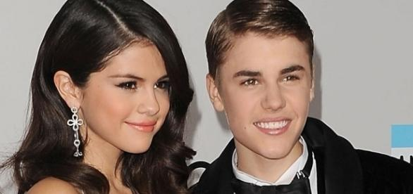 Os dois cantores não estão juntos