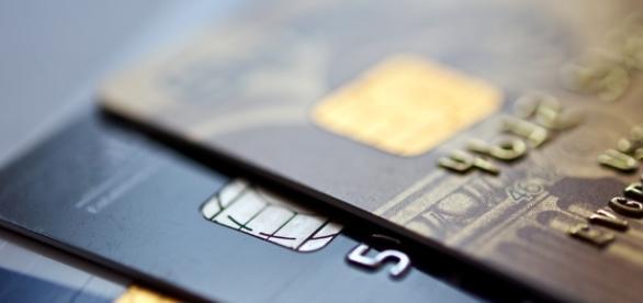 Principal causa de endividamento é o cartão