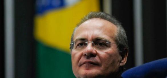 Renan é aconselhado a não assinar notificação de oficial da Justiça