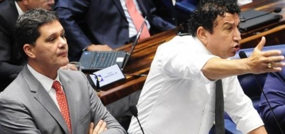 Ricardo Ferraço, relator, e Magno Malta