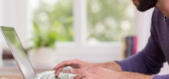 Servidores públicos poderão trabalhar em casa