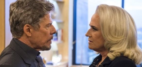 Tião e Magnólia em 'A Lei do Amor' (Divulgação/Globo)