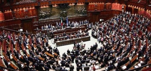 Vitalizi ed elezioni anticipate: più di 600 parlamentari perderebbero la pensione