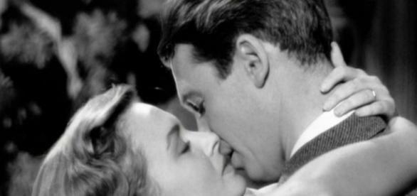 A Felicidade Não Se Compra - Filme 1946 - AdoroCinema - adorocinema.com
