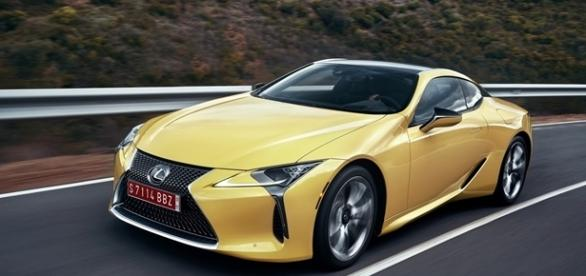 Novo Lexus LC 500 chega aos 97 km/h em 4,5 segundos