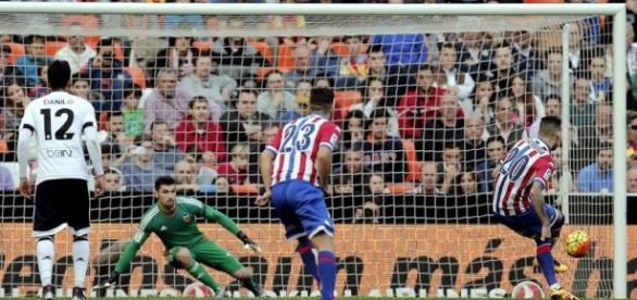 Gol de Sanabria. Foto: MANUEL BRUQUE EFE