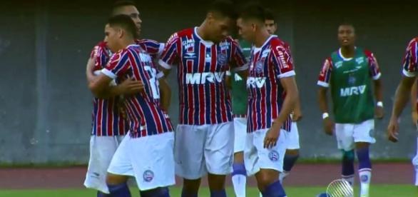 Hernane marca duas vezes em vitória tricolor
