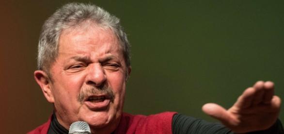 Em destaque, ex-presidente Lula.