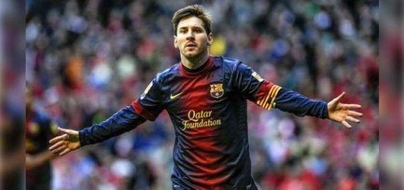 Messi passa por cirurgia, mas já foi escalado