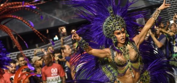 Gracyanne Barbosa no carnaval de São Paulo