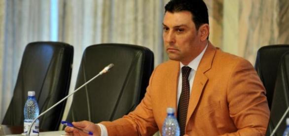 Nicolae Păun susține că bagă cuțitul în procurori