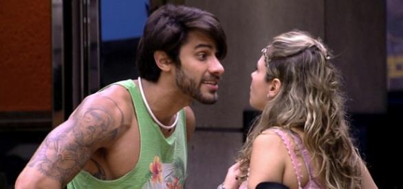 Ana Paula desabafou com Munik após briga com Renan