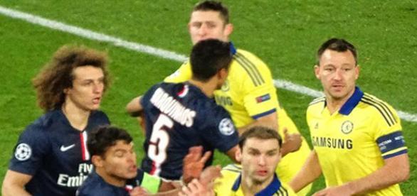 PSG y Chelsea en uno de sus últimos duelos.