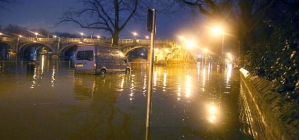 Tamisa inundă încă o dată Londra