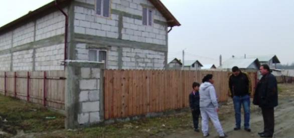 Una din vilele romilor din Coravu