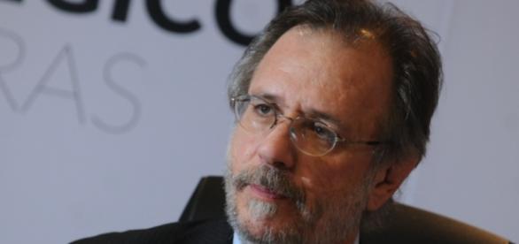 Miguel Rossetto espera dias melhores em 2016