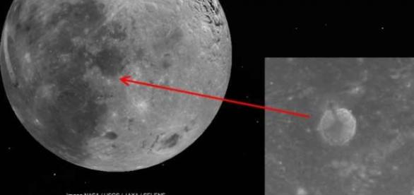 Suposta base alienigena na lua