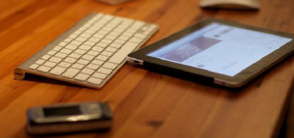 Using devices in the workplace (Flickr)