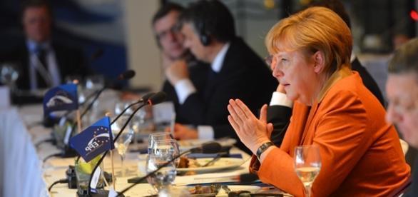 Merkel endureció la política hacia los refugiados