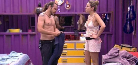 Tamiel e Ana Paula discutem - Foto/Reprod
