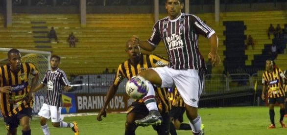 Diego Souza vai atuar no ataque