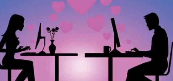 Romance e curiosidade no mundo virtual