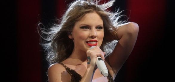 Taylor Swift won the top album award at Grammys
