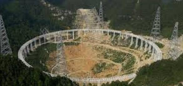 Foto aérea del mayor telescopio del mundo